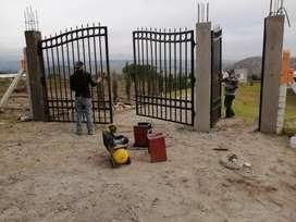 Maestro en construcción cerrajería plomería pintura trabajo en granito