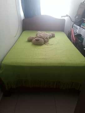 Vendo cama semi doble con colchón