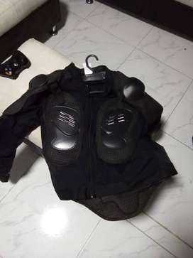 CHAQUETA PARA MOTO CON PROTECCIONES