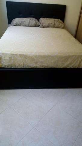 Cama doble color negro