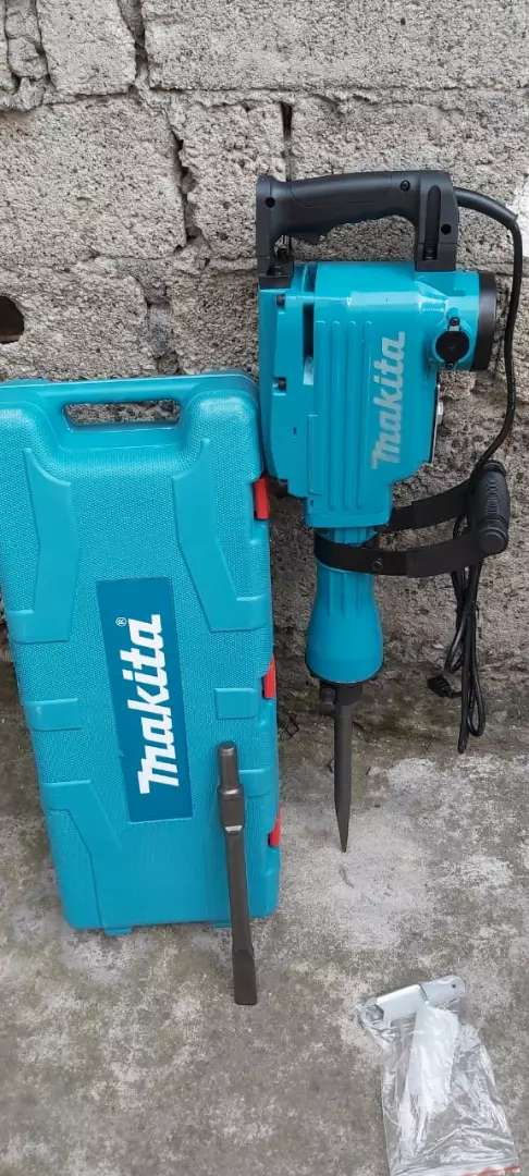 Demoledor perforador makita 0