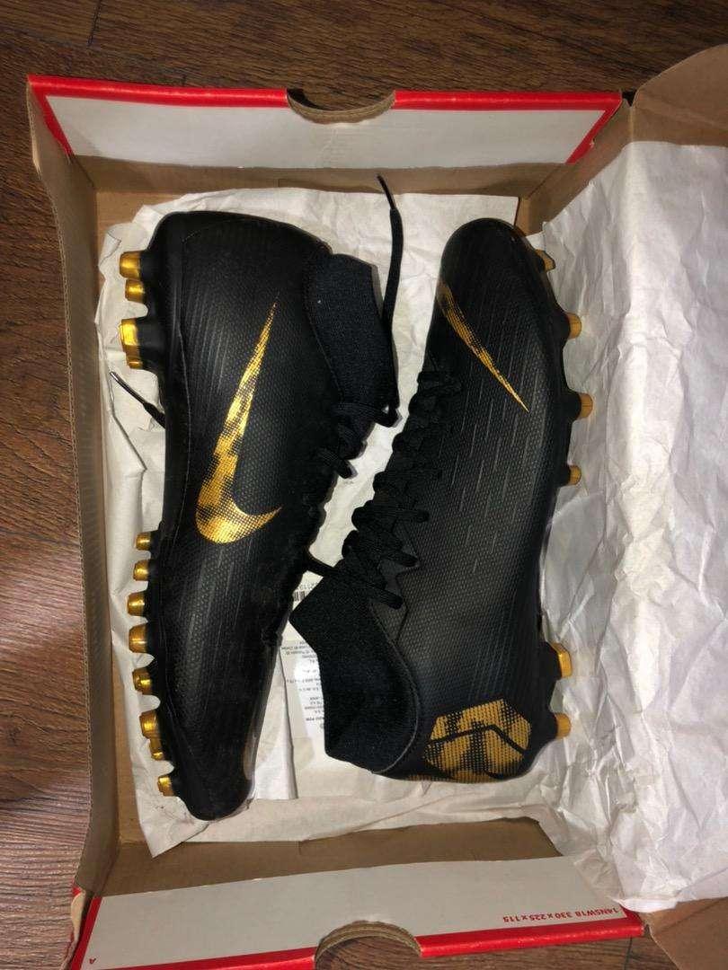 Guayos Nike Mercurial- futbol