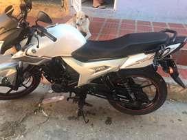 Moto YmahaSZR16