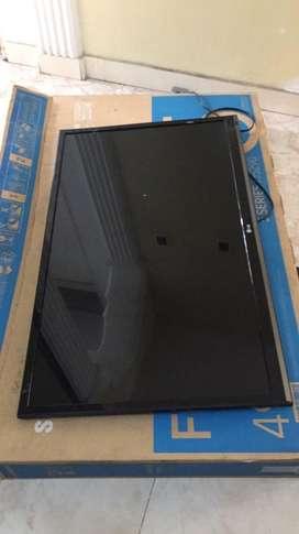 """Vendo tv  LG smart de 43"""" pantalla plana economico"""