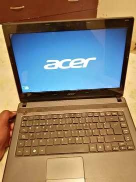 Portátil ACER pantalla de 14 pulgadas 500 de disco duro 4 de RAM se daño el cargador por eso es el precio