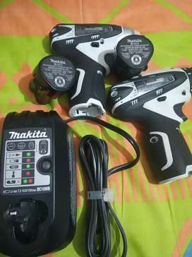 Vendo kit de atornilladores makita originales percutor