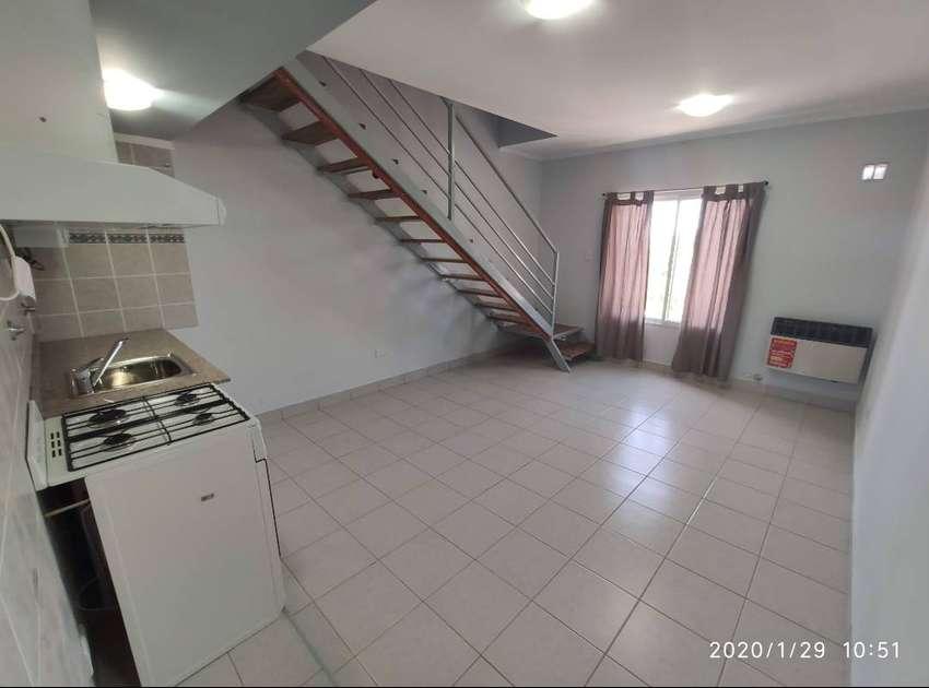 Alquiler de departamento a estrenar, con 2 habitaciones y 2 baños en Neuquén, en calle Alderete al 2200 0