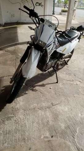 Vendo Moto Qingqi (negociable)