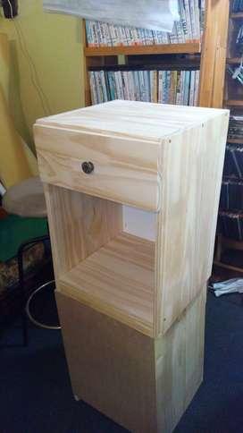 Mesita LUZ con cajon $1500 madera NATURAL. Envios DOMICILIO!