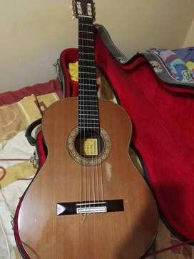 Se vende guitarra de concierto marca sanchis