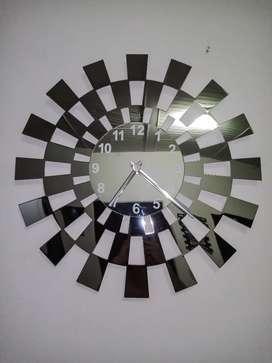 Reloj de lujo 10/10 negociable.