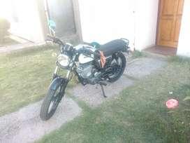 Vendo moto Zanella por no usar, como Nueva