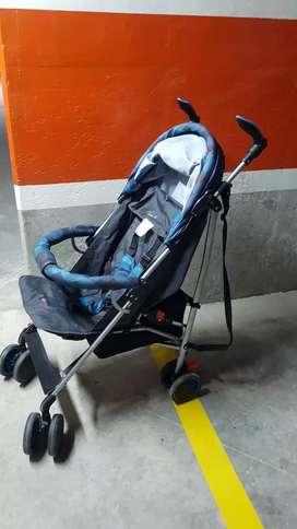 Vendo coche paseador azul para bebe