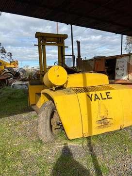 Autoelevador Yale 8tn con Motor GM 3 cilindros