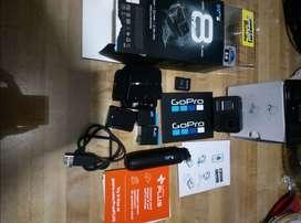 Camara Go Pro Hero 8 Black, con memoria 32GB, y accesorios deportivos.. Perfecto estado nueva y a muy buen precio.