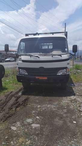 Camion Hino Dutro (Negociable)