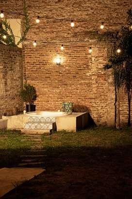 Hermosa casa boutique en venta en el centro de Luján ubicación privilegiada. Apta crédito