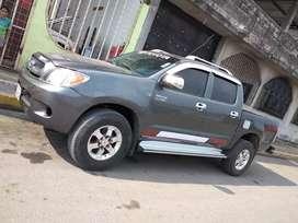 Vendo Toyota Hilux, por urgencia económica