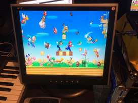 """Monitor LCD 17"""" vendo cambio"""