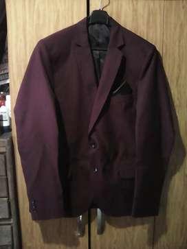 Vendo traje bordeaux talle 42 aprox...$9.000