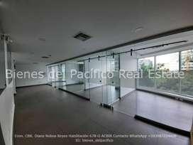 VENTA o ALQUILER Oficina 236 m² con Divisiones en Samborondon