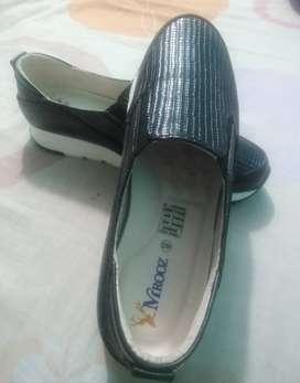 Zapatos talla 40 en cuero originales