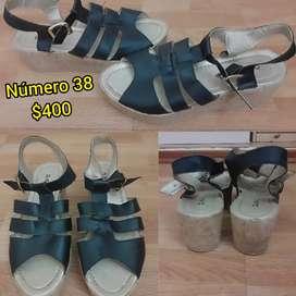 Vendo sandalias usadas de mujer