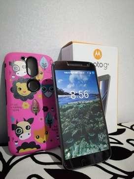 Vendo Motorola G4, estado 9 de 10, con caja, vidrio templado, factura y protector de goma.