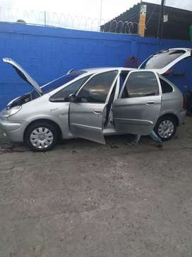 Vendo carro familiar