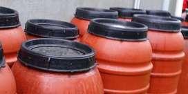 $ 150.000 Tambo plastico de tapa rosca 220 litros