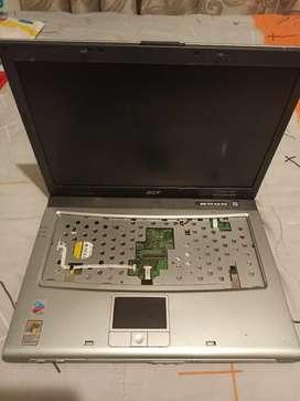 Portátil Acer Travelmate 2420 con display para repuestos