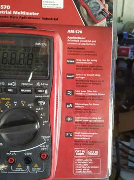 Multímetro Amprobe modelo AM-570