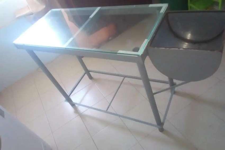 Mesa metálica para panadería con batea abatible