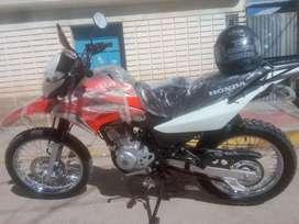 Se vende  por emergencia  moto honda Sr 150 nuevo