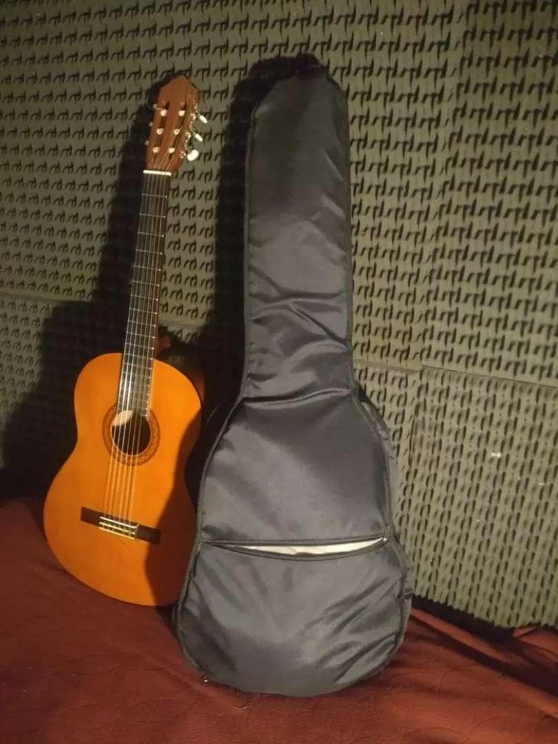 Guitarra Yamaha c40 0