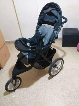Vendo coche bebé impecable. Poco uso. Traído de EEUU