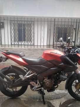 vendo  moto pulsar ns 200 pro nunca chocada motor standar