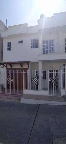 Expectacular Casa, Dos Pisos, Parqueadero Cerrado, Barrio San Felipe