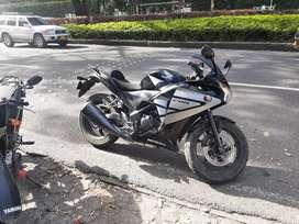 Vendo ecxelente moto honda cbr 250 modelo 2015