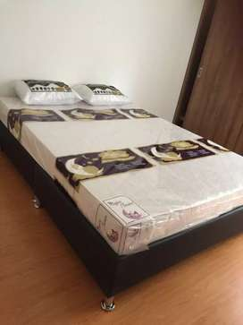Base cama + colchon semi ortopedico + 2 Almohadas