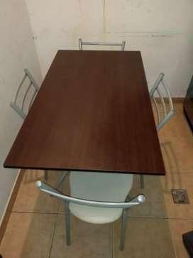 Vendo mesa mas 4 sillas