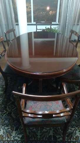 Elegante mesa de 6 puestos