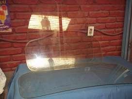 dos vidrios laterales y una luneta fiat 600 sin burlete