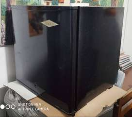 Minibar Haceb 50 Litros, perfecto estado