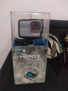 SE VENDE GOPRO HERO 7