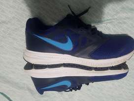 Vendo Zapatos Nike Downshifter 6