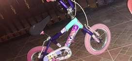 Vendo cicla para niña y niño