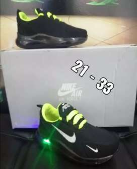 Nike alumbra