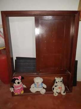 Se vende ventana de madera como nueva