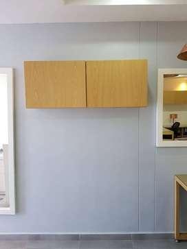 Mueble madera superior dos puertas